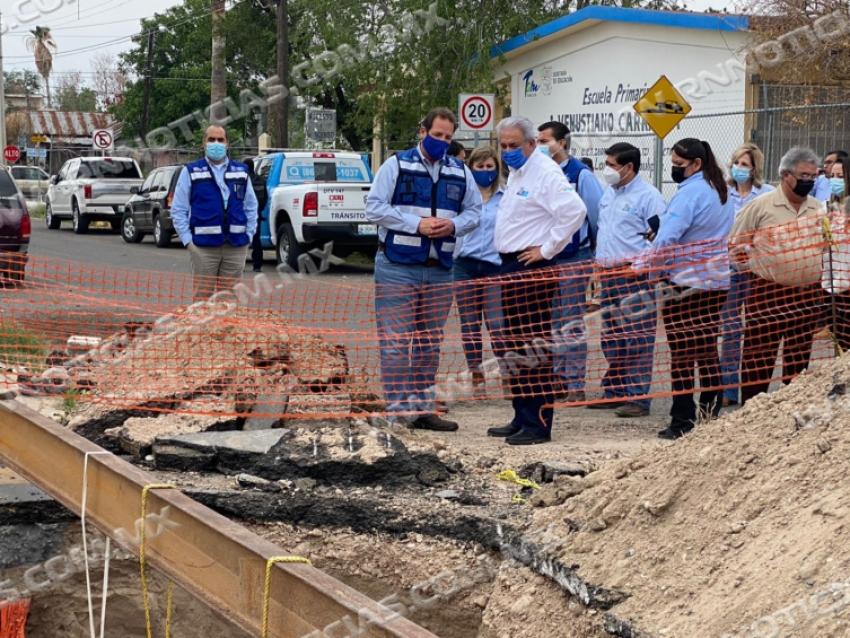 Inicia reparación COMAPA de socavón en la colonia Victoria
