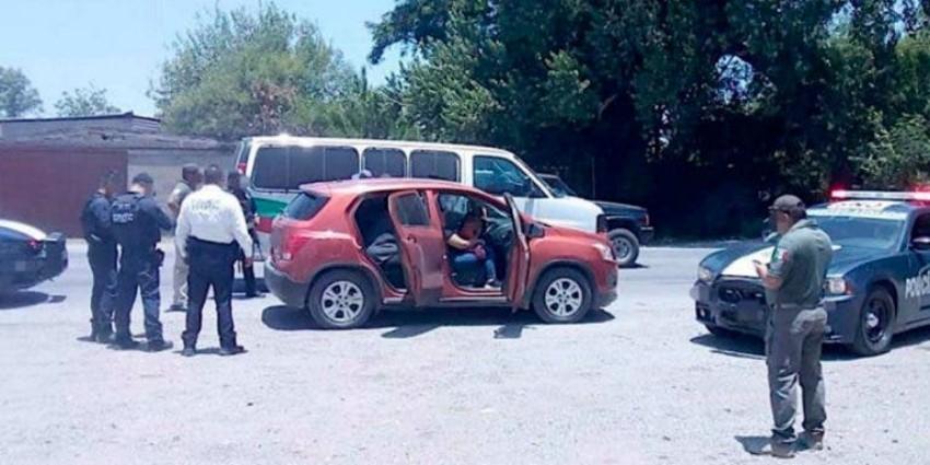 Dan a hombre 12 años de prisión por llevar migrantes en su camioneta