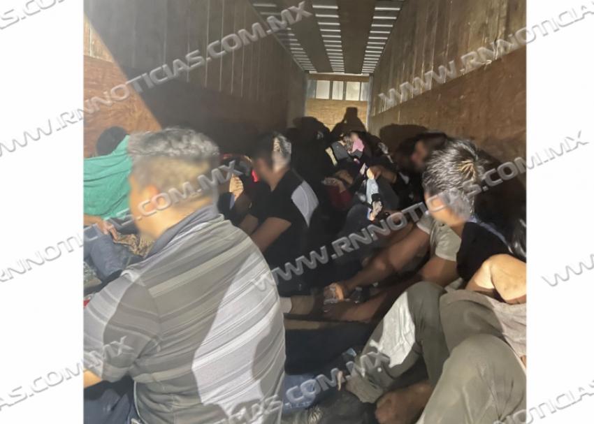CBP rescatan a casi 50 personas encerradas dentro de un remolque